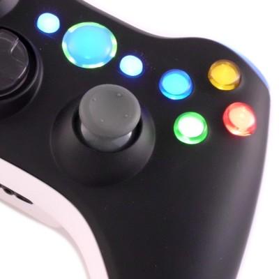 Xbox 360 black white controller