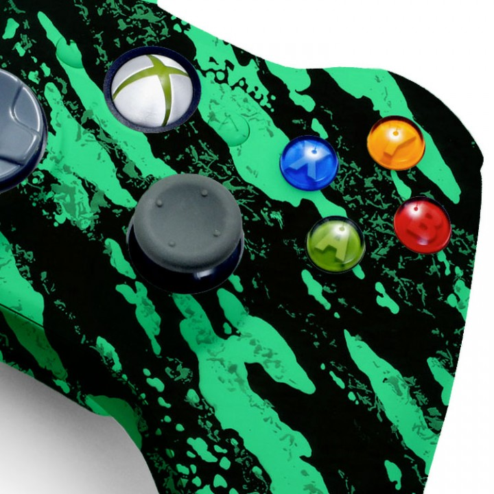 Xbox 360 Glow In The Dark modded controller